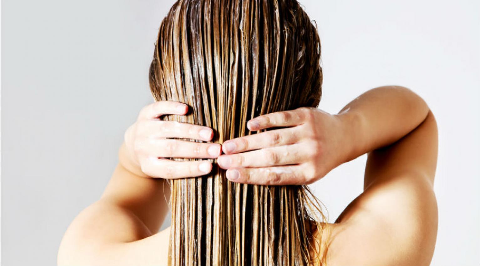 Cheveux transformés de paille en soie