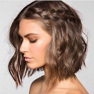 Les coiffures de mariée pour cheveux courts :La tresse, parfaite pour les carrés courts