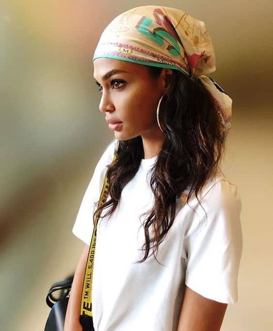 Coiffure bandeau foulard cheveux sales