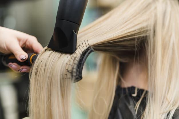 cheveux secs sèche cheveux