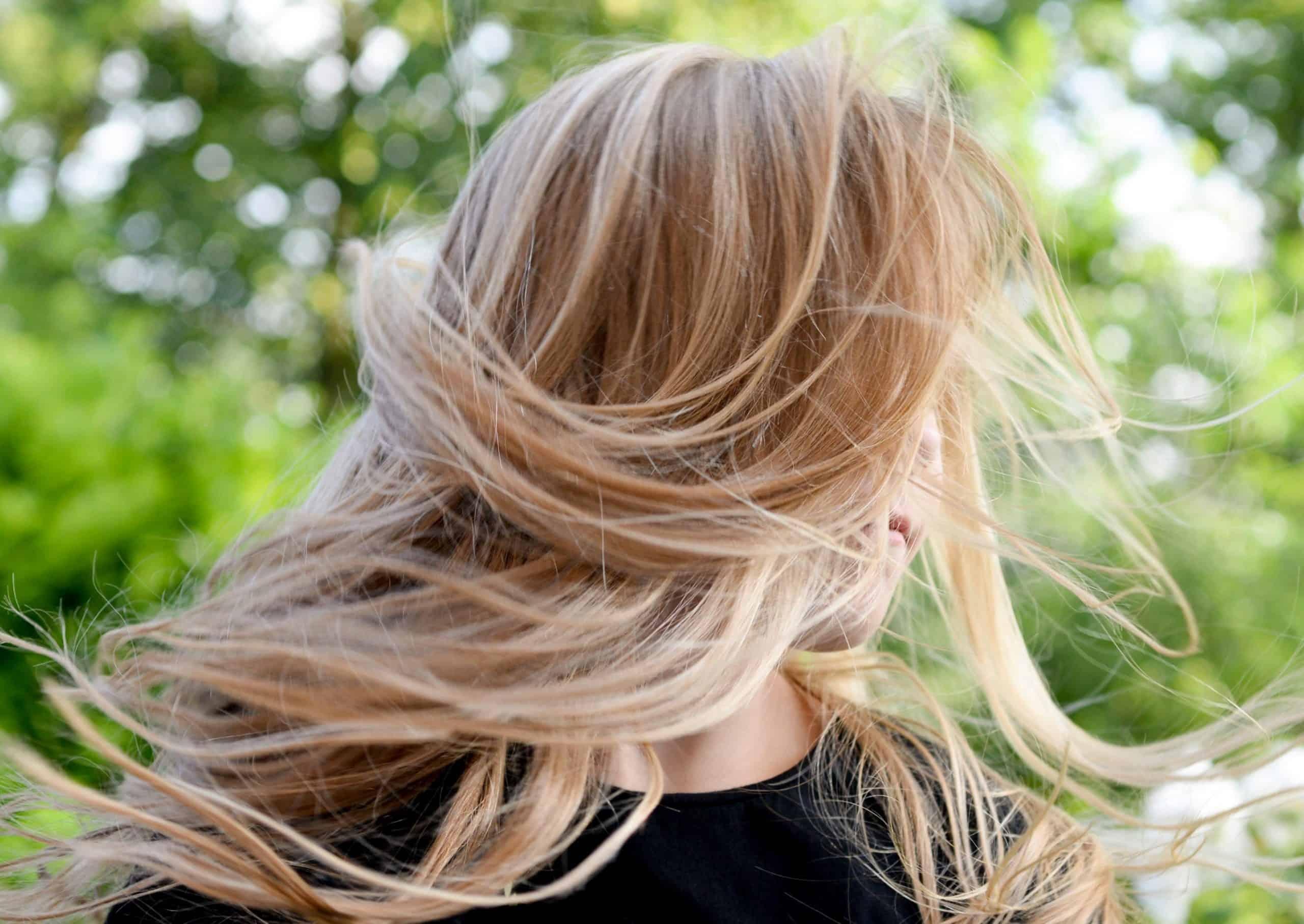 mèche blonde produit chimique