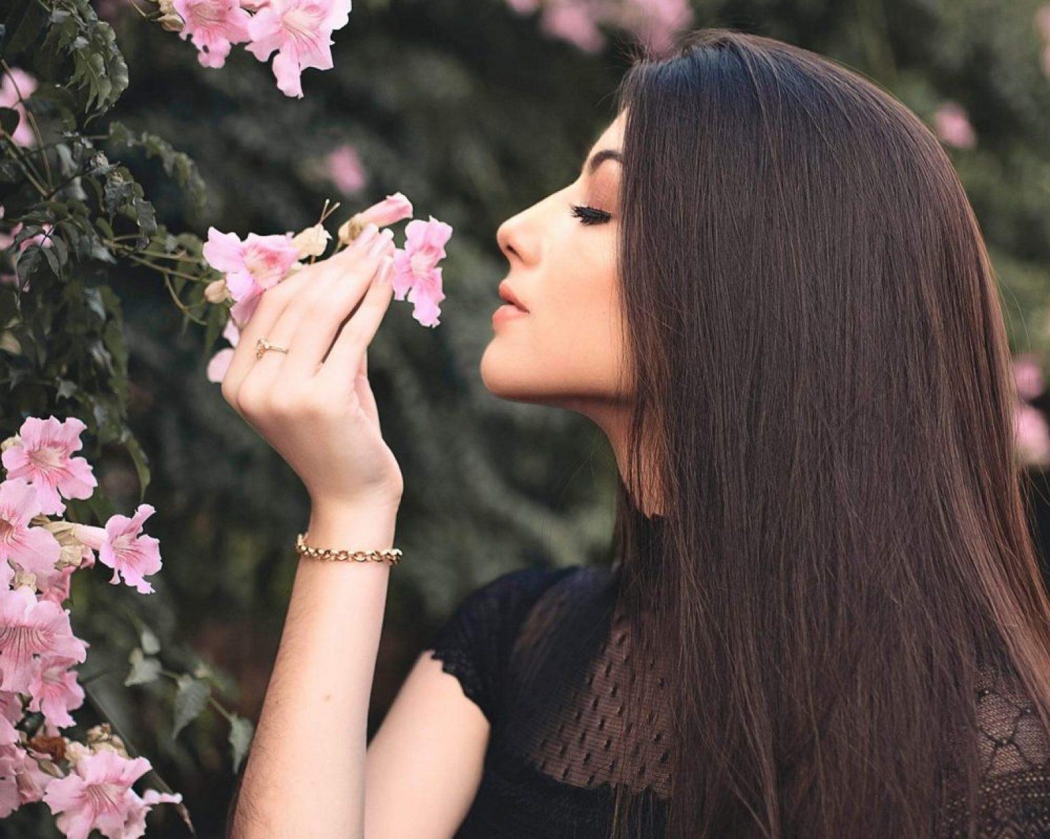 Femme choix coloration végétale