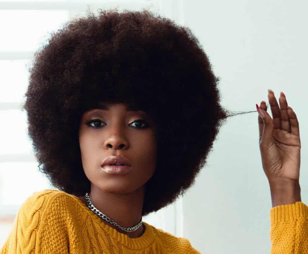 Cheveux crépus : quel shampoing utiliser ?
