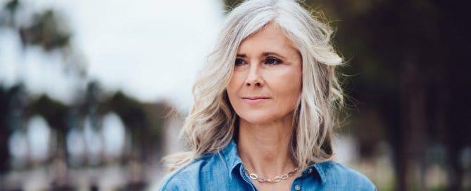 teinture naturelle des cheveux gris biocoiff