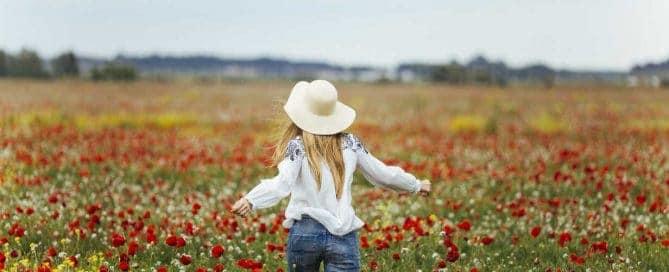 Femme chevelure printemps